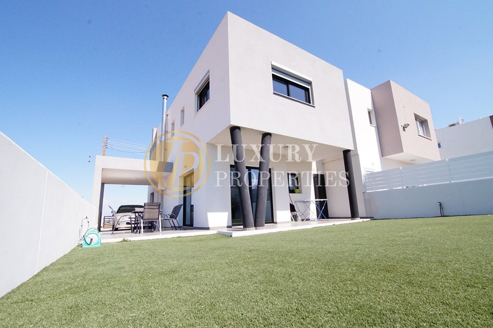 Luxury 3 Bedroom House In Tseri For Rent