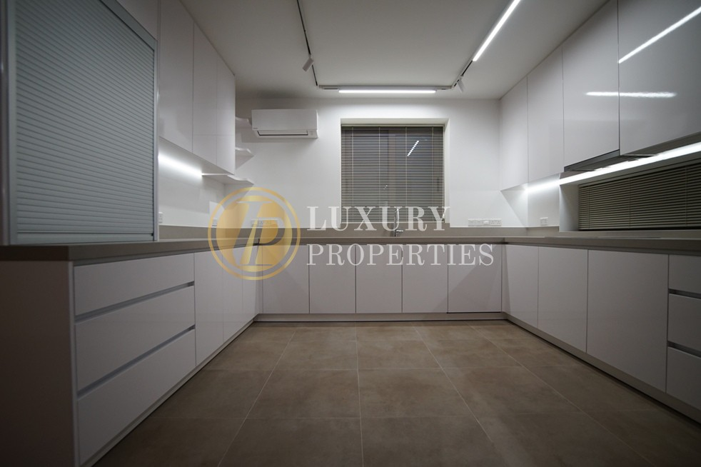 Luxurious Penthouse in Nicosia Center